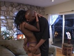 Ebony hottie gets her pussy drilled