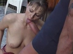 Hottie loves blowing cock on the balcony