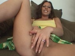 Kinky brunette sucks cock on the couch