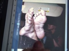 Cum on Britney Spears feet