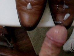 leche sobre botines