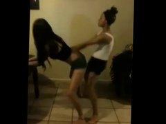 Chicas Metiendole Heavy Al Perreo Intenso (2 Putas)