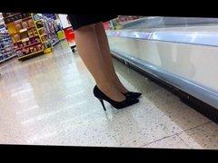 Office hottie shopping