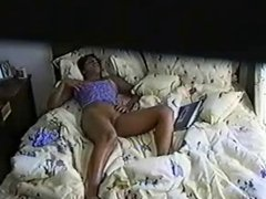 Teen masturbate on bed