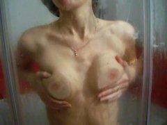 Kitty in shower