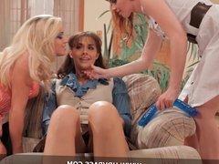 Threesome Lesbians HD Porn