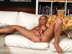 Sex bomb Mia Malkova spreads her pussy