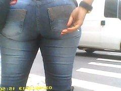 Brazilian booty in jeans...