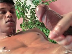 Privat Handjob - Huge Cumshot