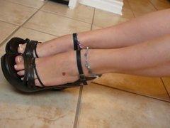 babysitter show her hot sexy feet