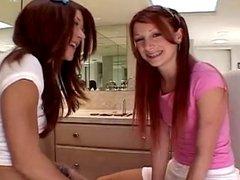 Teen girls lesbo 01