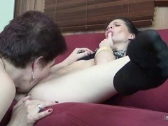 Old and young lesbian sex and squirts