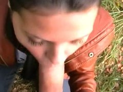 AmAtEuR BrUNeTTe in forest