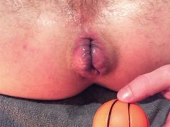 Guy pushing anal balls out of his ass - huge gape