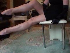 LONG LEGS IN STOCKINGS