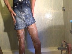 Shower with skirt