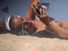 beach babe voyeur 7