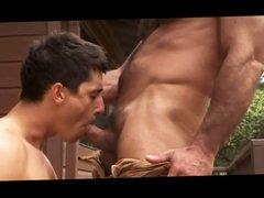 Muscle Bear Huge Cumshots