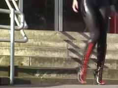 Catsuit und Boots