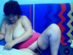 Granny on the web cam R20