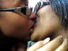 Kissing girls 47