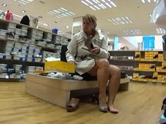 Upskirt - nude shopping-tour in Venlo -2-
