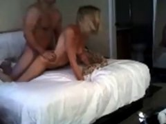 Amateur screaming blonde on real homemade