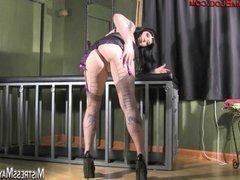 Mistress Maya Toe Service