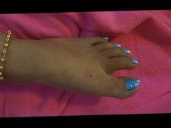 Hand job, big cum shot on Thai feet and toes with polish