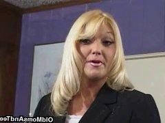 MILF lesby seduces nubile chick