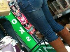 SDRUWS2 - Panty thong at supermarket 2