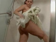 sexy milf with huge boobs leslie styles take a shower