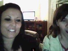 2 friends show tits on webcam