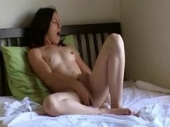 Sexy Teen Has An Orgasmic Afternoon !