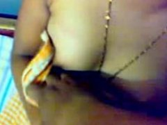 Cute Kerala aunty's Boobs and Pussy show captured by her BF