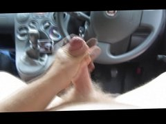 Wanking in the car, nice big cumshot