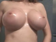 Webcam Girl oiled  Big Boobs