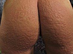 Queensnake.com - Nettle Virgin - Suzy 2