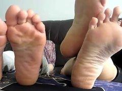 2 thai girls toe wiggle tease 2