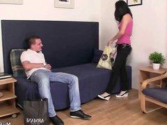 Boyfriend catches her cheating