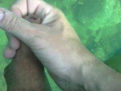 wank under water