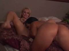 Lesbian Fight Cherokee & Tanya
