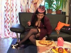 Randy Styling Lady Eat