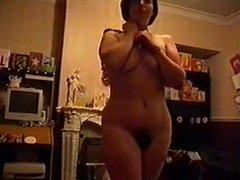 Senhora casada peluda strip em casa