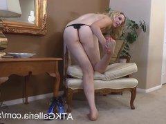 Sexy Saphira shows her feet