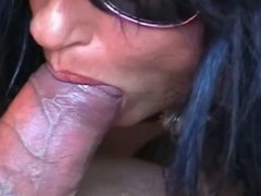 Skinny babe does a great HJ & BJ