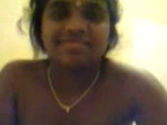 Smart indian Mallu Girl doing handjob to her BF before fuck