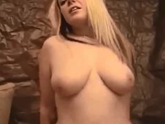 Amateur Chubby Gets Fucked on Homemade