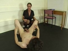 Ballbusting World Severe Brune Mistress