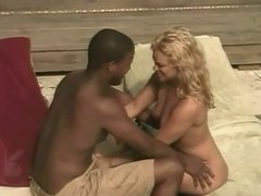 Interracial fuck on the pool chair (from 7 lives xposed)